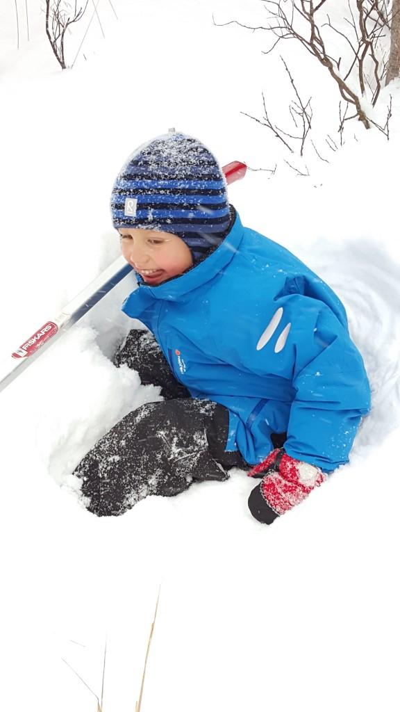 Petrus leker i snøen