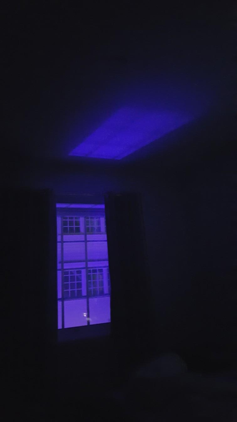 Nattlys gjennom vinduet