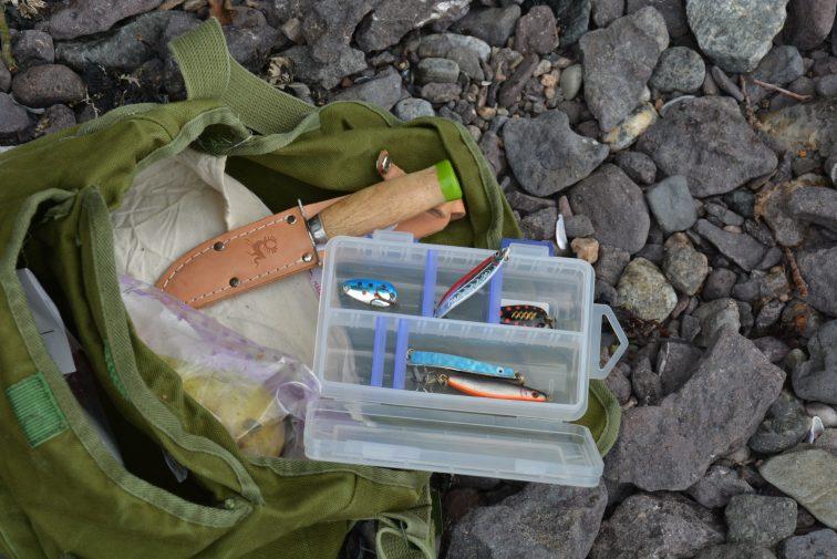 fiskeveska og kniven