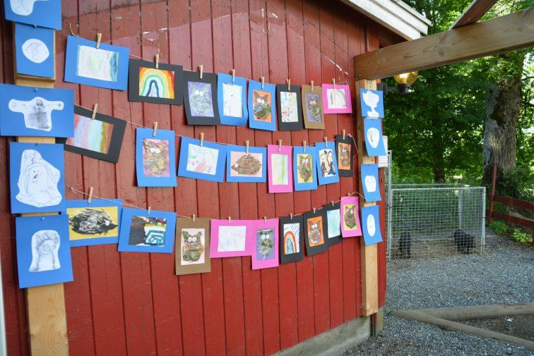 Bildeutstilling i barnehagen