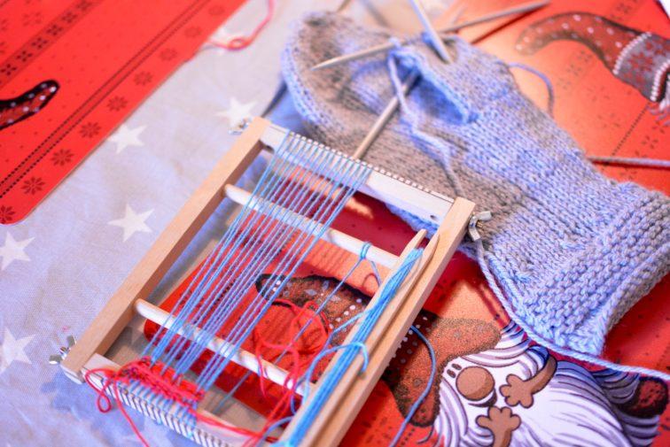 strikking av vott og barnevev