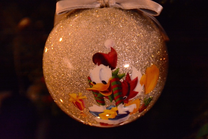 gledelig jul, donald duck julekule Petrusogpetrine.no
