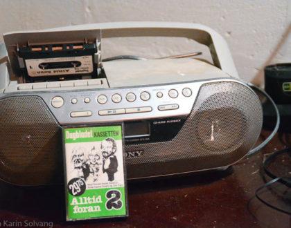 Kasett og kasettspiller fra 80 - tallet